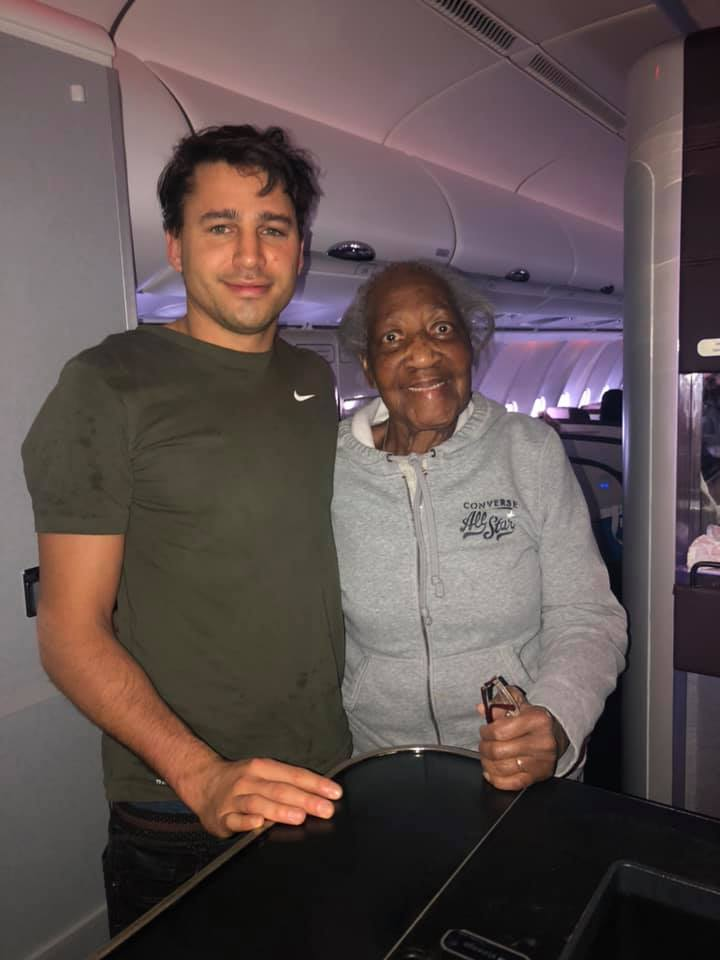 Stranger Gives Up First-Class Seat For 88-Year-Old