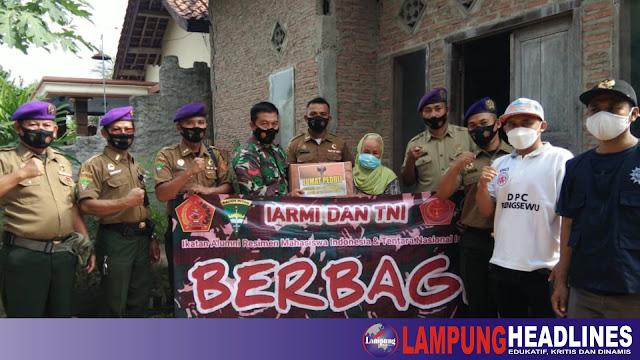 Kolaborasi Bersama TNI, IARMI Pringsewu gelar Jum'at Berbagi