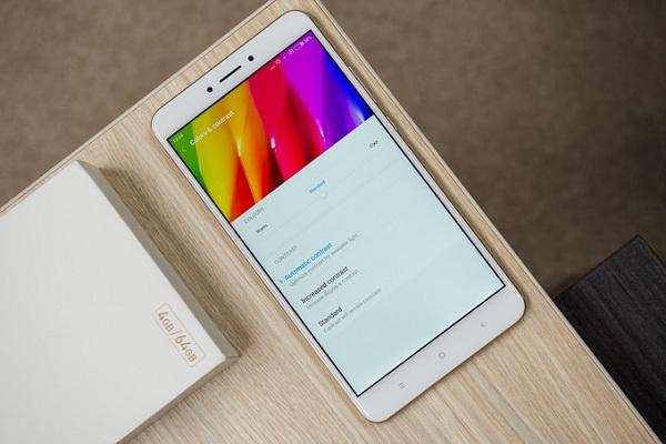 Thiết kế nổi bật Xiaomi MiMax 2