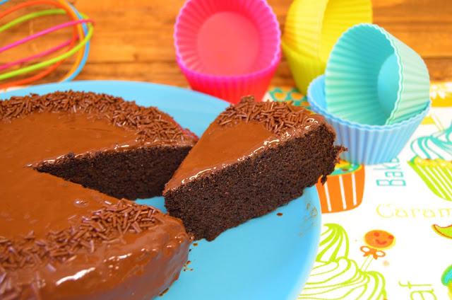 crock pot españa recetas, crock pot español, crock-pot recetas, crockpot, crockpot recetas, crockpot recipes, pastel de chocolate 3 ingredientes crockpot, pastel de chocolate crockpot, postres, cocinando a fuego lento,