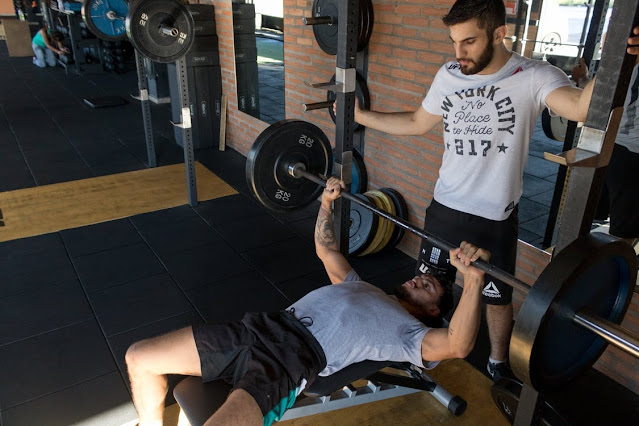 Can You Build Muscle with Smith Machines?