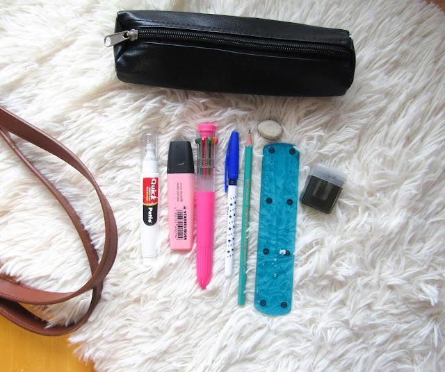 pakowanie, back to school, torba do szkoły, wyposażenie, piórnik, długopisy