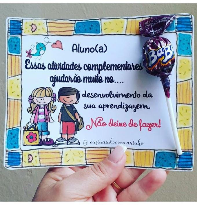 Cartão de incentivo das atividades complementares com pirulito para os alunos