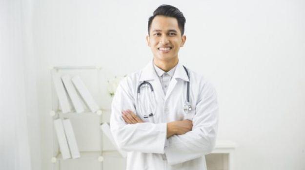 karangan bahasa arab tentang cita cita menjadi dokter