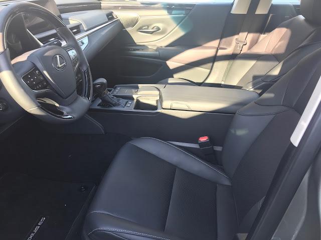 Front seats in 2020 Lexus ES 300h