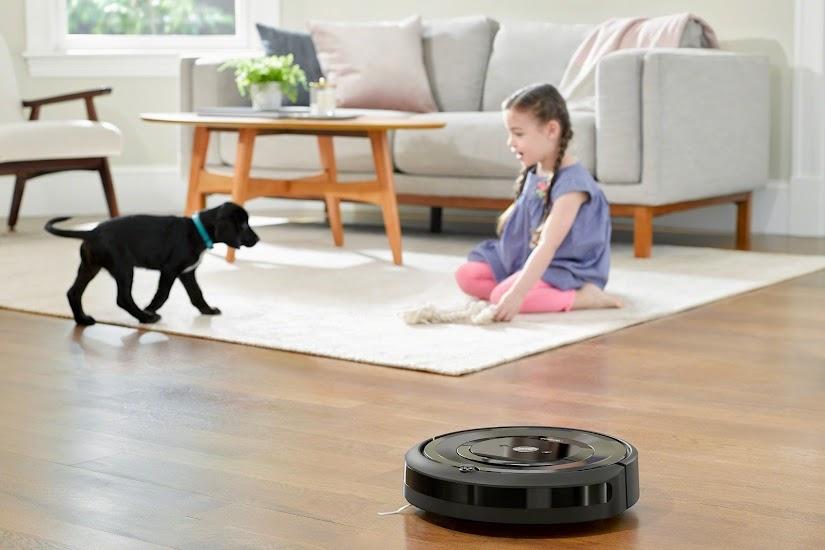 El robot aspirador Roomba e5 de iRobot con conexión wifi aspira por ti