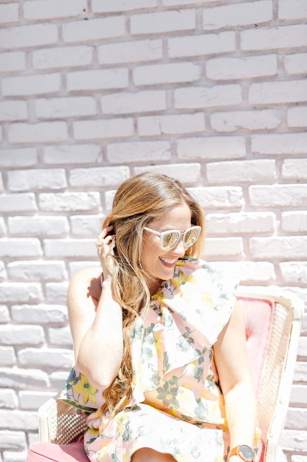 The Best Sunglasses for Your Face Shape under $30 by fashion blogger Walking in Memphis in High Heels