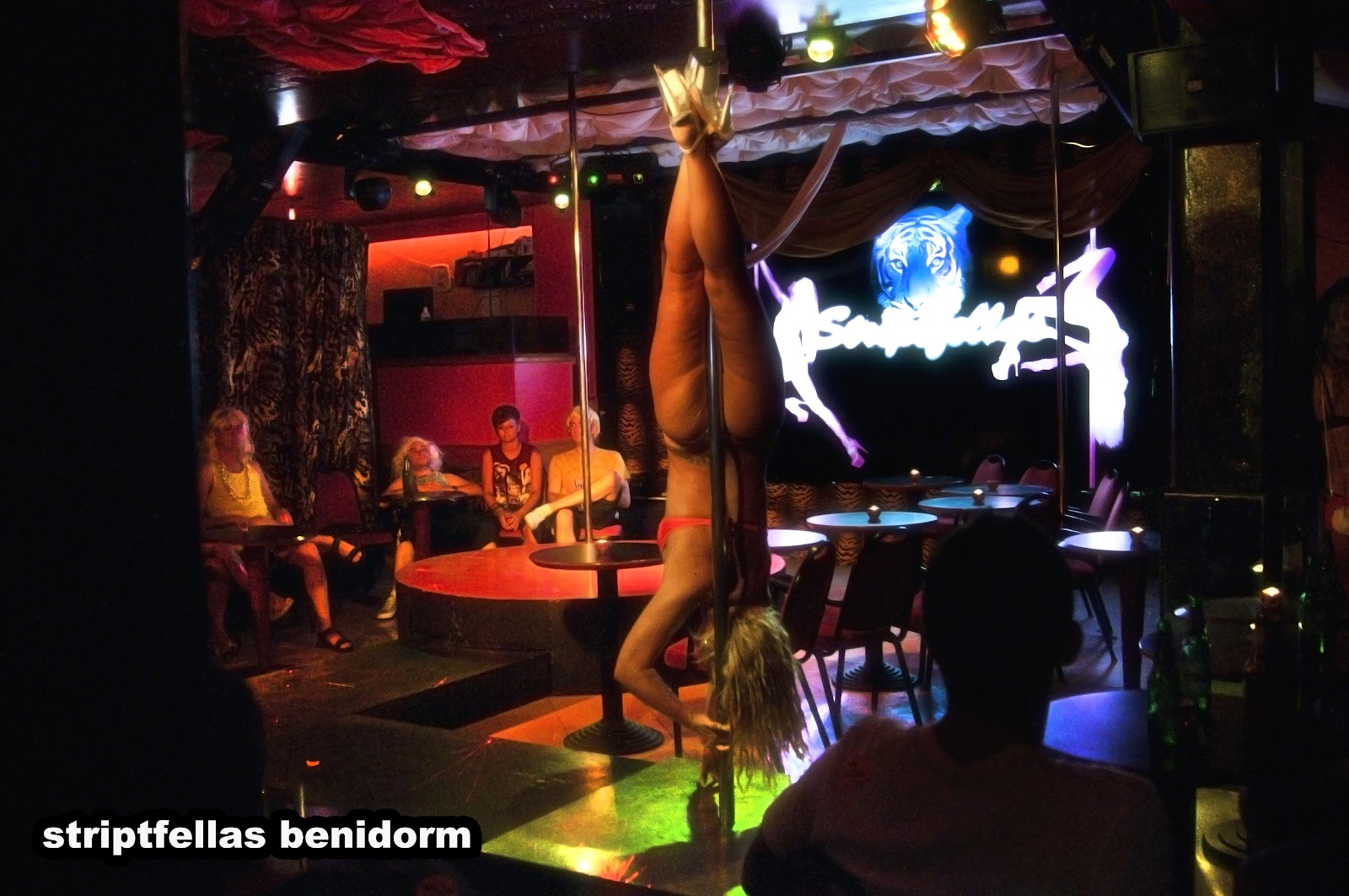 lap dance dating show The modern male stripper show usually involves full nudity, although sometimes they may retain underwear, especially g-strings,  lap dance (2014),.