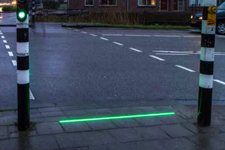 The Dutch town of Bodegraven has launched a pilot programme to put traffic lights on the ground for the benefit of pedestrians who are looking down at their smartphones as they walk.