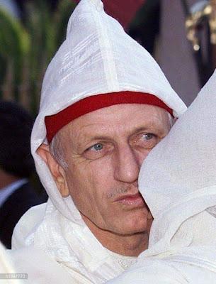 مستشار جلالة الملك أندري أوزولاي يتعرض لحادثة سير رفقة ابنته