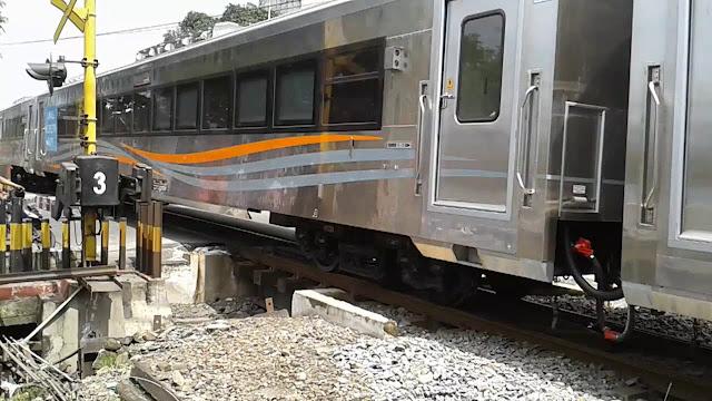 Kereta Jurusan Bandung Eksekutif Baru Stainless Stell