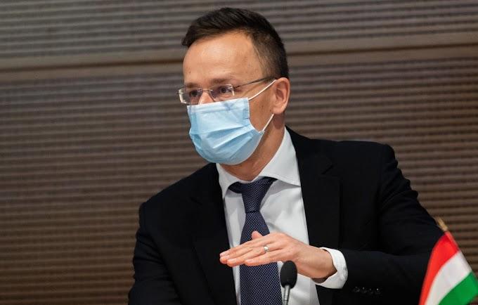Szijjártó Péter: Brüsszel nem csinálhat ideológiai kérdést a vakcinákból
