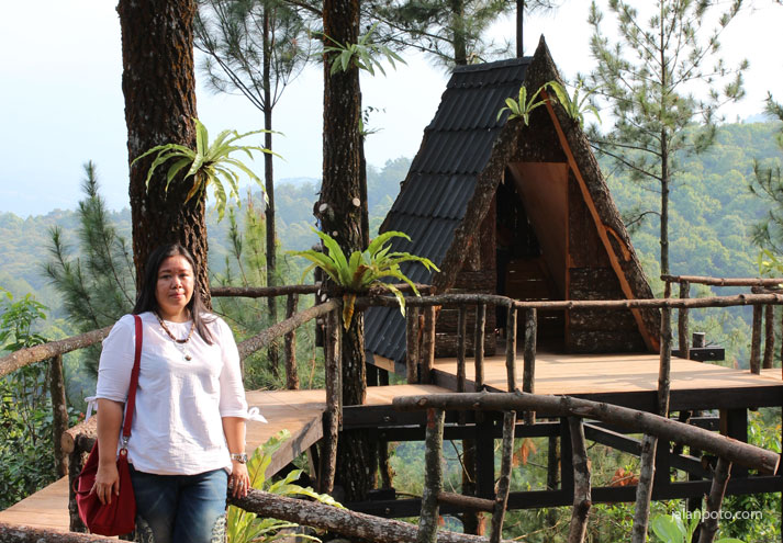 Wisata Pabangbon Hits dengan rumah pohonnya