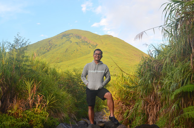 Pendakian Gunung Lokon tergolong mudah ©JelajahSuwanto