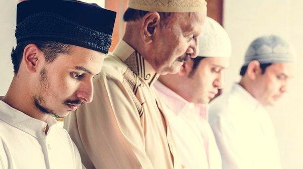 Panduan Dalil Sholat Anisil Qobri Lengkap Fadhilah Keutamaannya