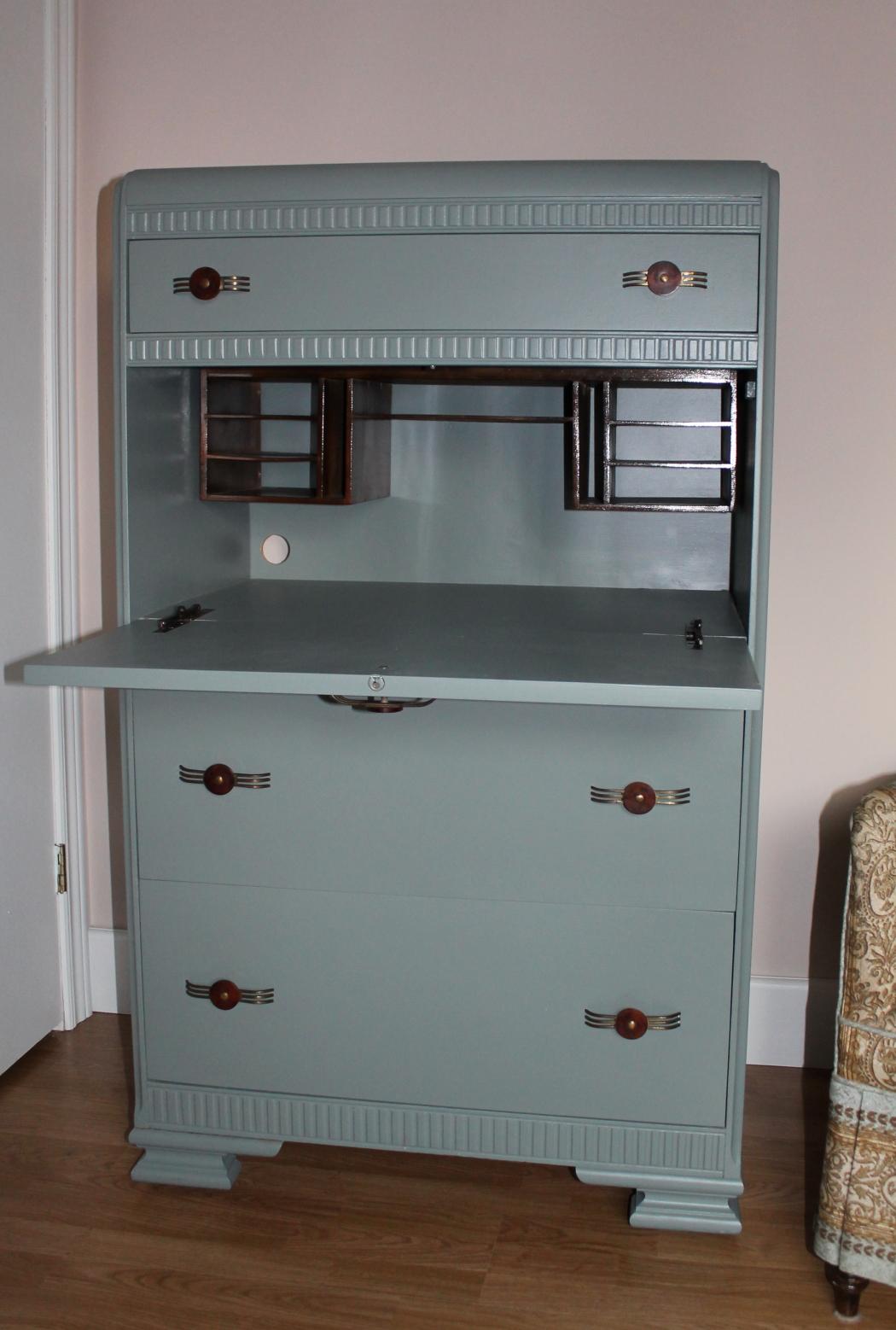 Rebuiltstuff Finished dresser desk