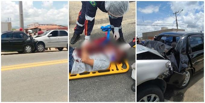 Vídeo: Colisão entre dois carros deixa um ferido, em frente ao Rivaldão em Patos, no final da manhã desta sexta