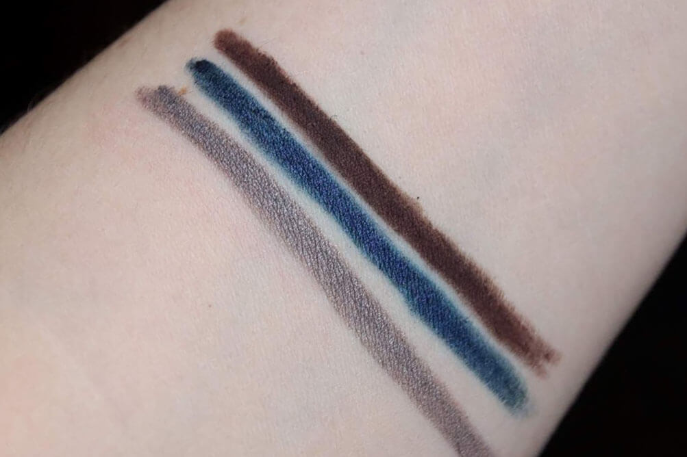 Fenty Flypencil In Big Truffle Navy or die Moon dunez swatch