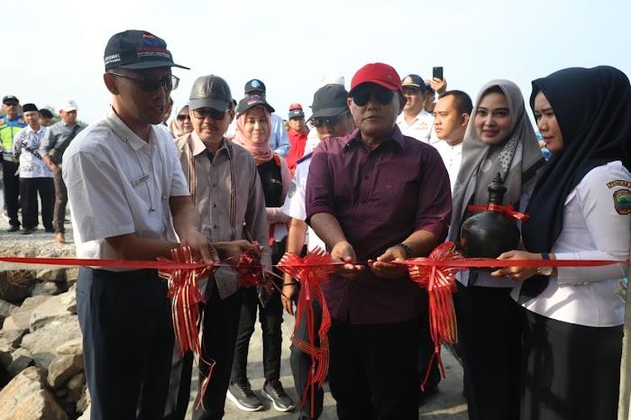 Plt.Nanang Ermanto Resmikan Banawa Nusantara 73 Menjadi Moda Transportasi Pelayaran Rakyat (Pera) Rute Dermaga PPI Bom Kalianda-pelabuhan Tejang Pulau Sebesi Lamsel.