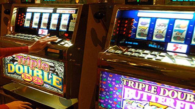 Slot machine truccate: sequestri e denunce in Campania