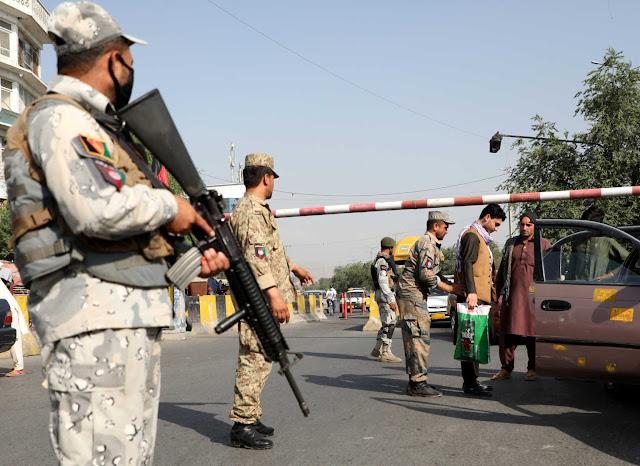 afganistan-7-nekroi-apo-vomva-stin-gkazni-apofasi-apofylakisis-400-skliron-talimpan