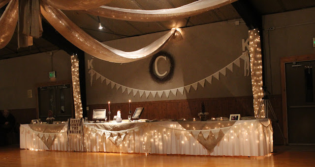 Head Table Decor Idea Help: Cottage Instincts: Crafting A DIY Rustic Chic Wedding