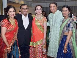 Radhika-kaji-Mukesh-Neeta-Ambani-with-Kochhars