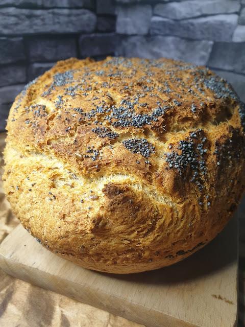 Chleb pszenno-owsiany z naczynia