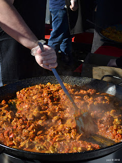 fork on the road - cooking paella