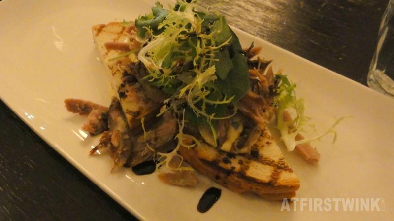 Geconfijte, geplukte eend met gegrilde brioche en rucola | Restaurant Rodin Rotterdam