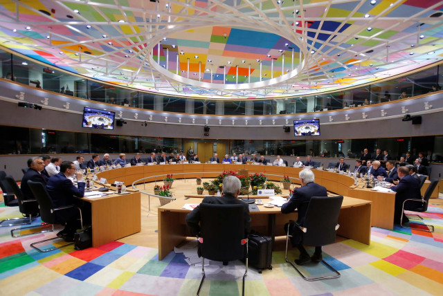 Unión Europea aprueba su separación con el Reino Unido