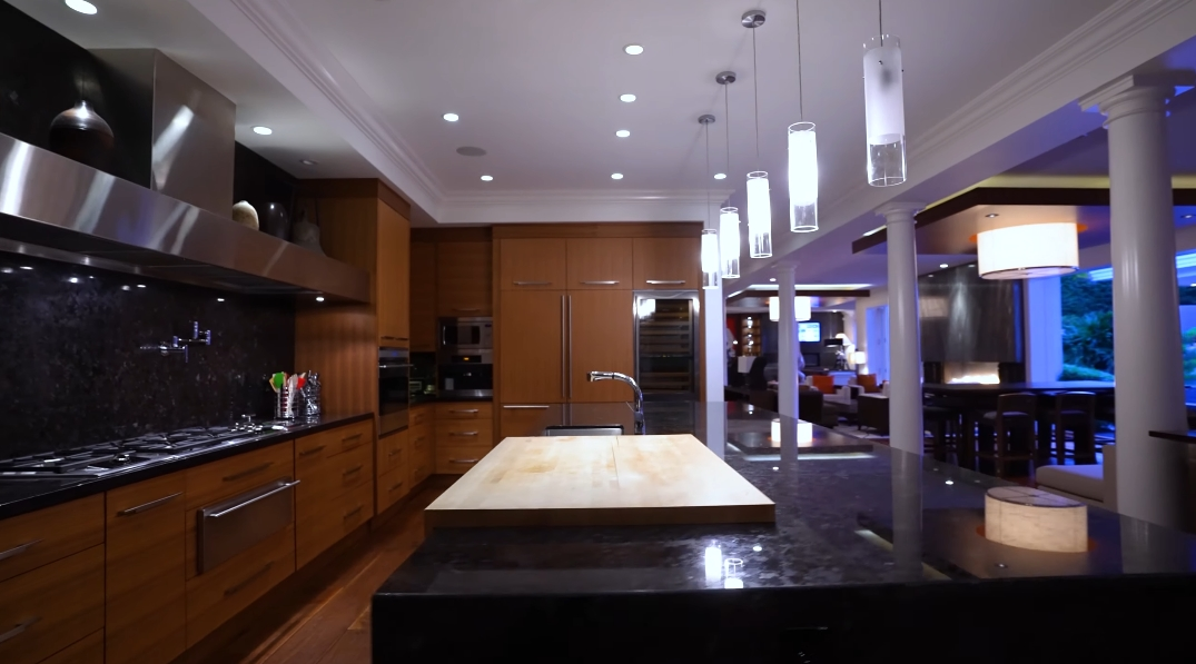 59 Photos vs. Tour 2929 Mathers Ave, West Vancouver, BC Ultra Luxury Mansion Interior Design