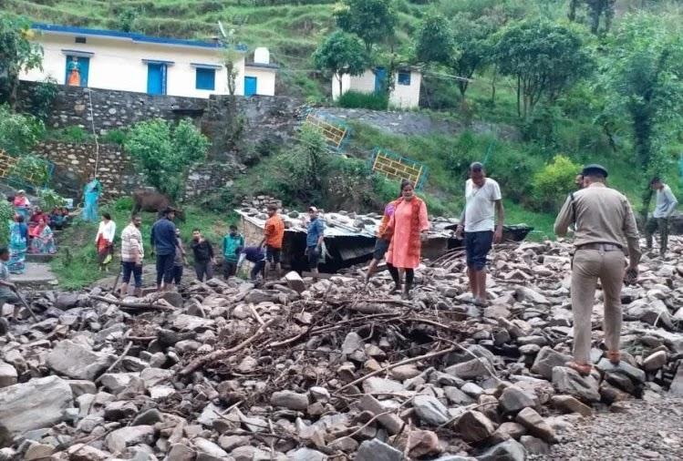 बैंग्वाड़ी गांव में रविवार तड़के बादल फटा