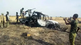 Da Duminsa: 'Yan Ta'addan ISWAP Sun Yi Kaca-Kaca da Sansanin Sojoji a Borno