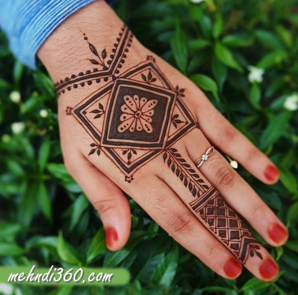 Square Henna Design Back Hand