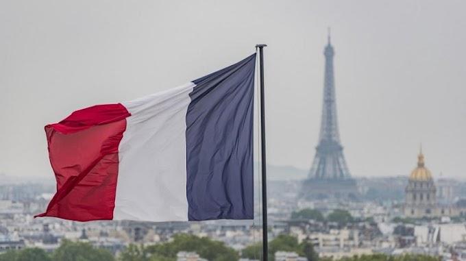 Η Γαλλία ζητά από τους πολίτες της να μην πάνε στο εξωτερικό το καλοκαίρι