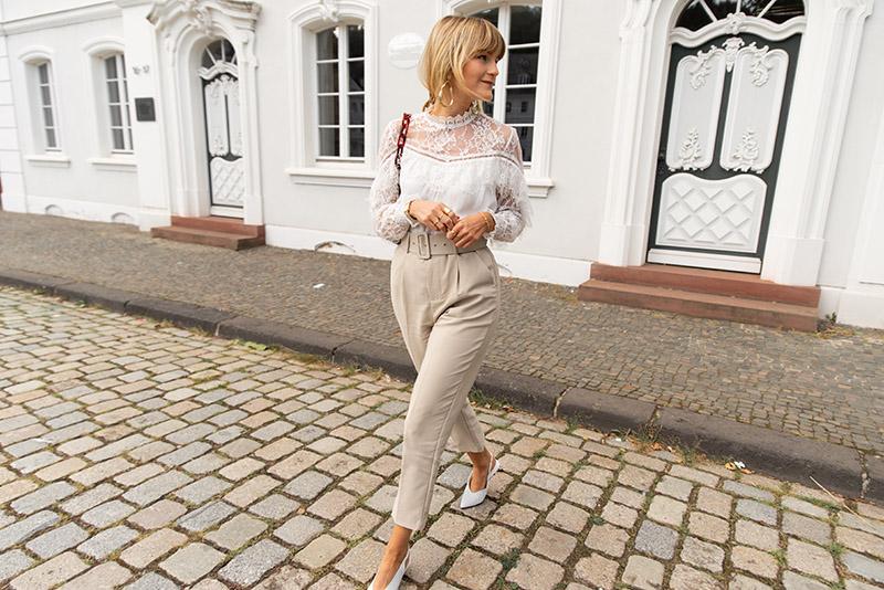idée-look-automne-2019-comment-porter-blouse-dentelle