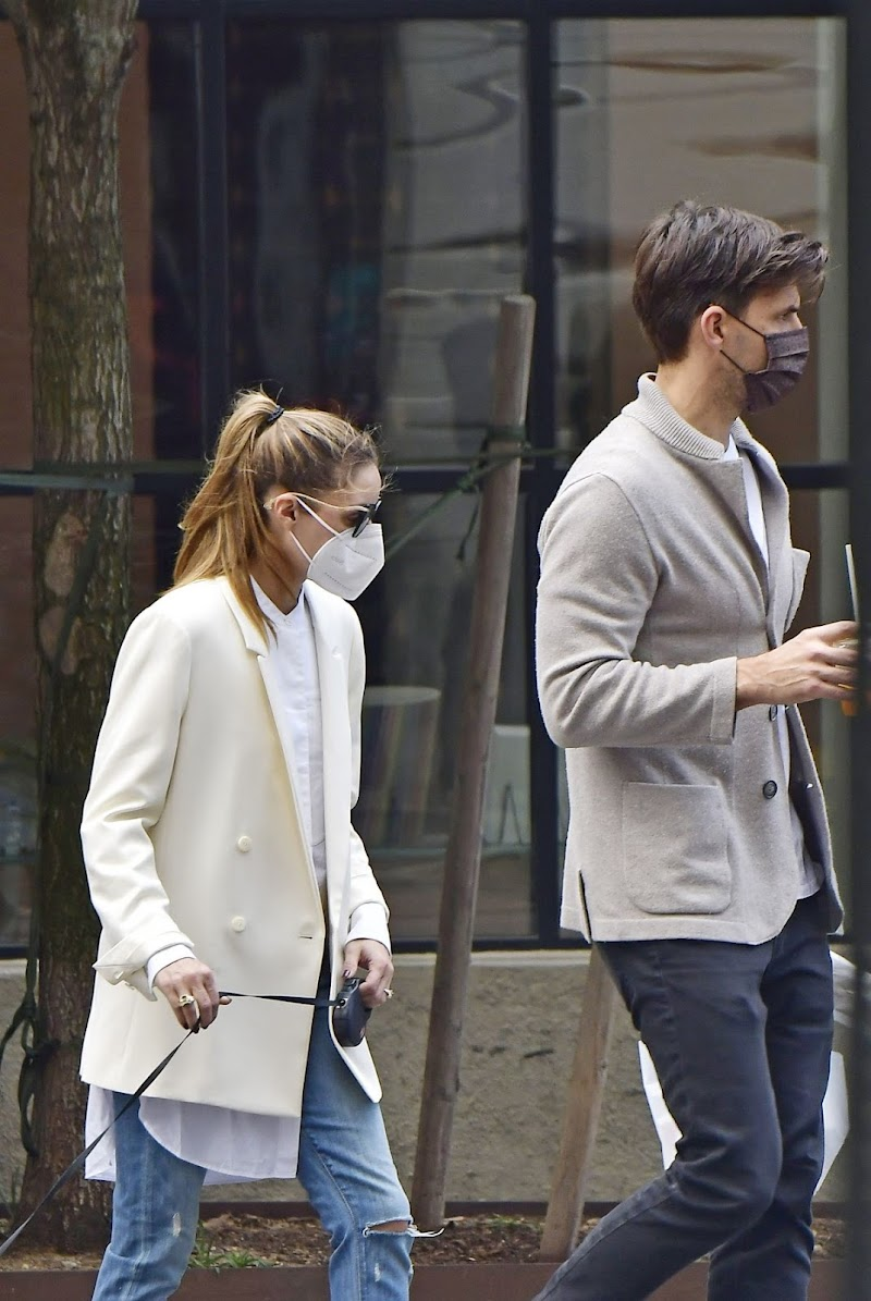 Olivia Palermo Clicked Outside with Her Dog in New York 10 Oct -2020