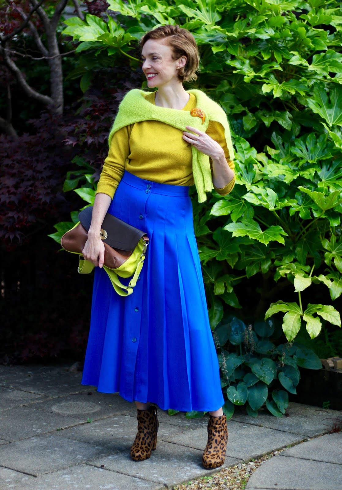 Transitional Outfit | Midi Skirt in Autumn | Fake Fabulous