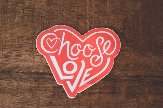 Choose love sign:Photo by Hunter Matthews on Unsplash