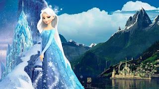 Foto Elsa Frozen tampak feminim