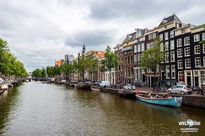 Kloveniersburgwal in Amsterdam www.WELTREISE.tv