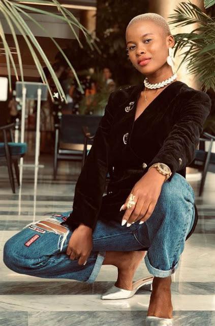 Beauté, astuce, femme, maquillage, noire, coiffure, cheveux, Habillement, charme, tissage, LEUKSENEGAL, Dakar, Sénégal, Afrique