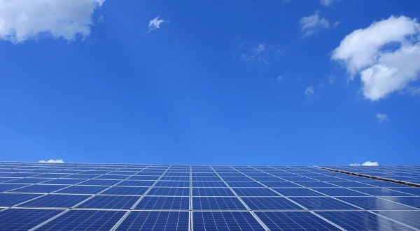 pannelli fotovoltaici adesivi