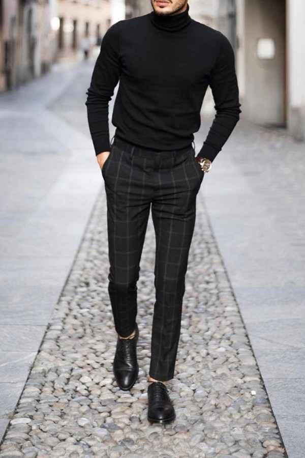 Turtle neck with trousers