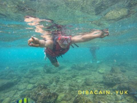 Pengalaman Serunya Snorkling di Pantai Nglambor