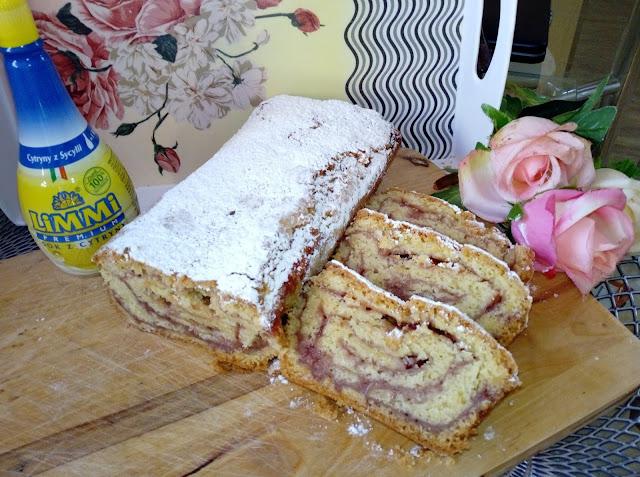 strucla z dzemem rolada z dzemem ciasto kruche z dzemem krucha strucla rolada z ciasta kruchego szybkie ciasto dla niezapowiedzianych gosci proste ciasto