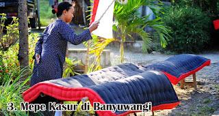 Mepe Kasur di Banyuwangi merupakan salah satu tradisi unik di Indonesia saat merayakan Idul Adha