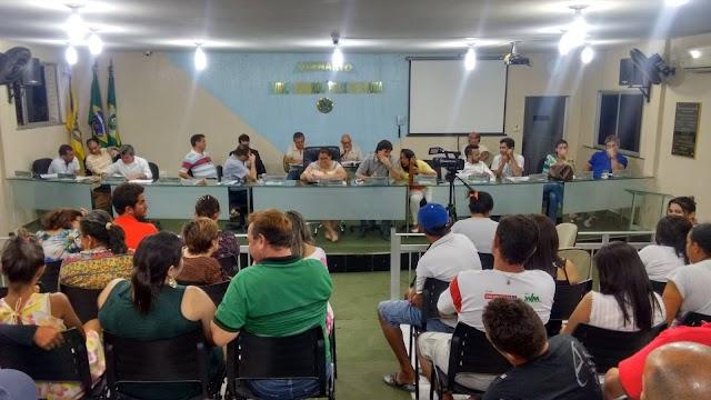 DECISÃO DA CÂMARA: Prefeito de Baturité é cassado por 11 votos a 2