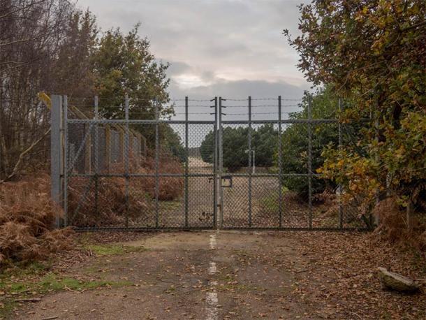L'East Gate della RAF Woodbridge, dove ebbe inizio l'incidente UFO di Rendlesham Forest.
